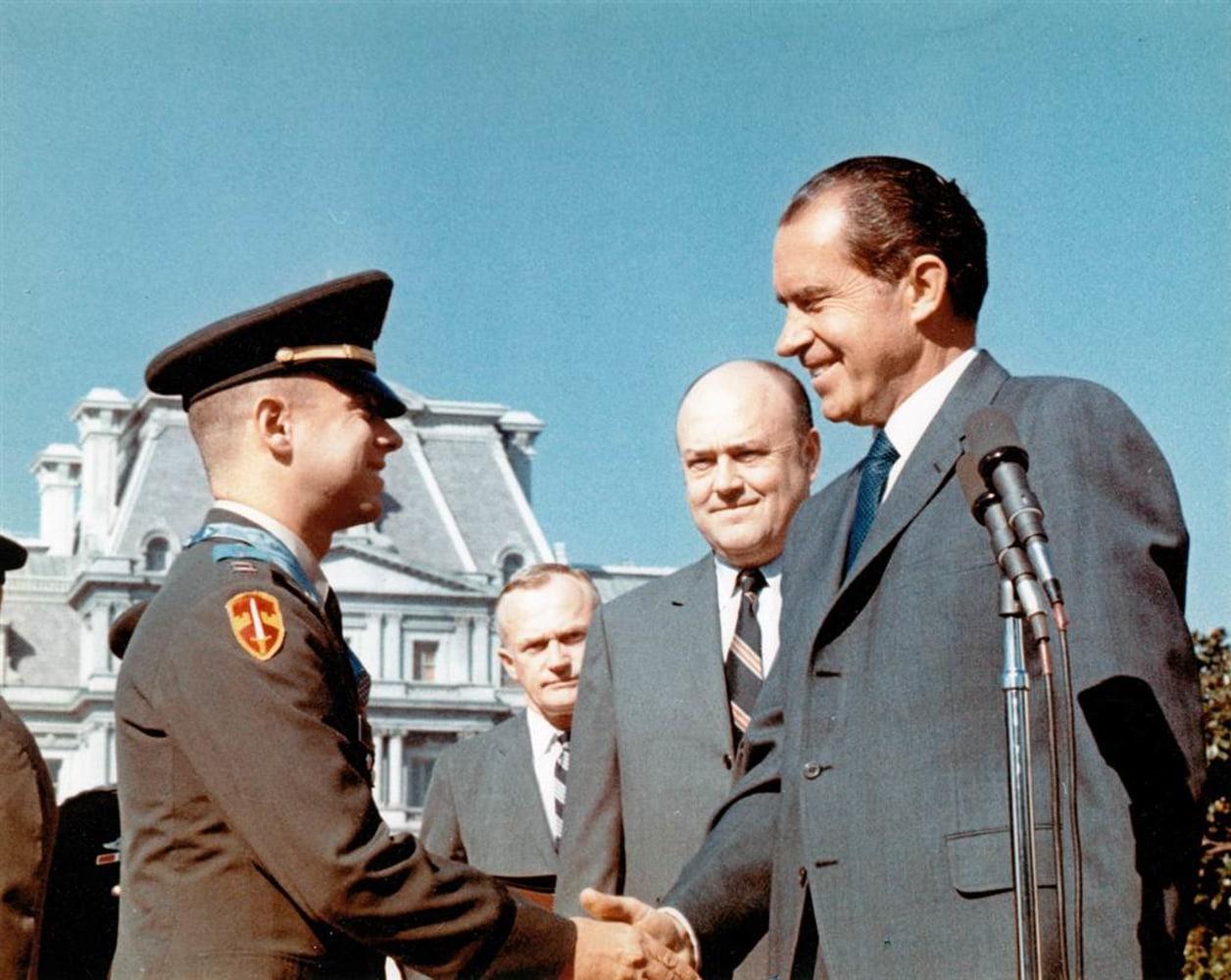 Melvin Laird, Vietnam War defense secretary, dies at 94