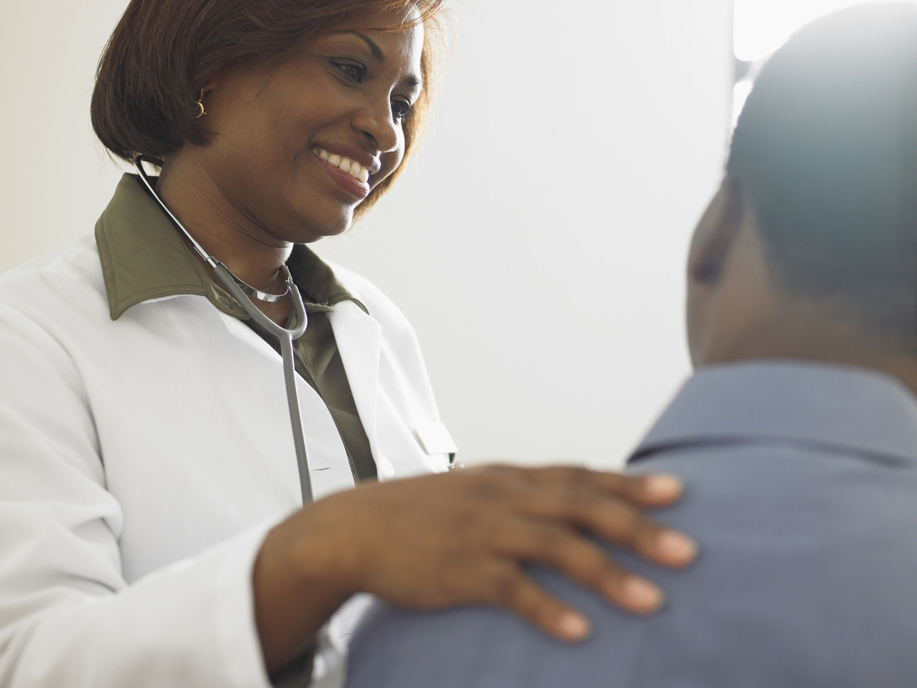 Female Doctors Outperform Male Doctors, According To Study -7077