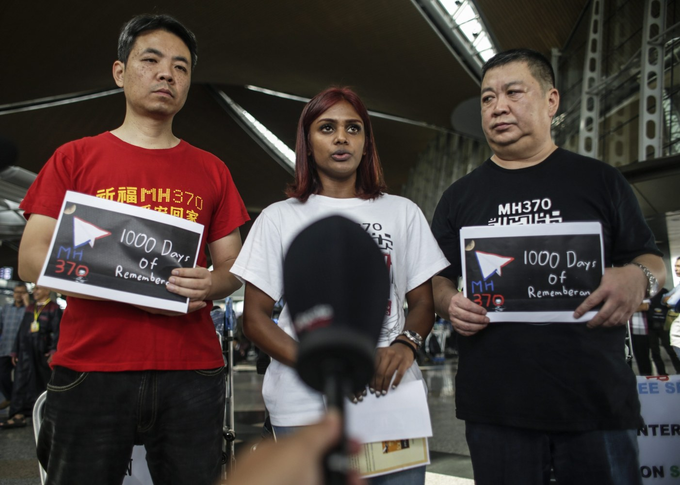 Hunt for MH370 Poised to Resume as Vessel Heads for Search Zone