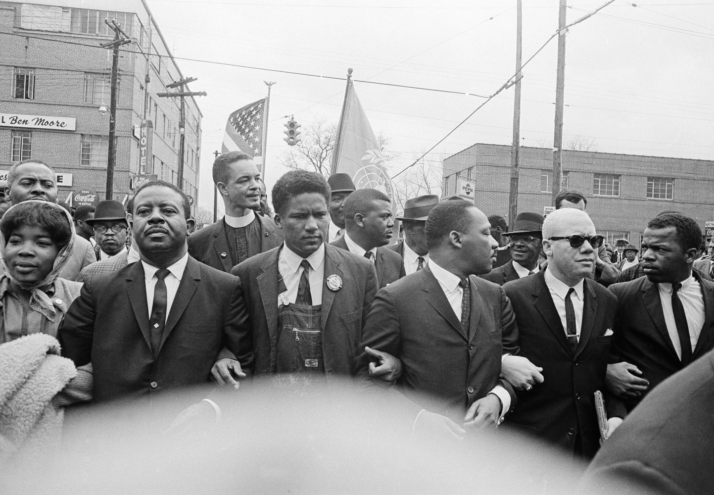 Image: John Lewis marches with Martin Luther King Jr.