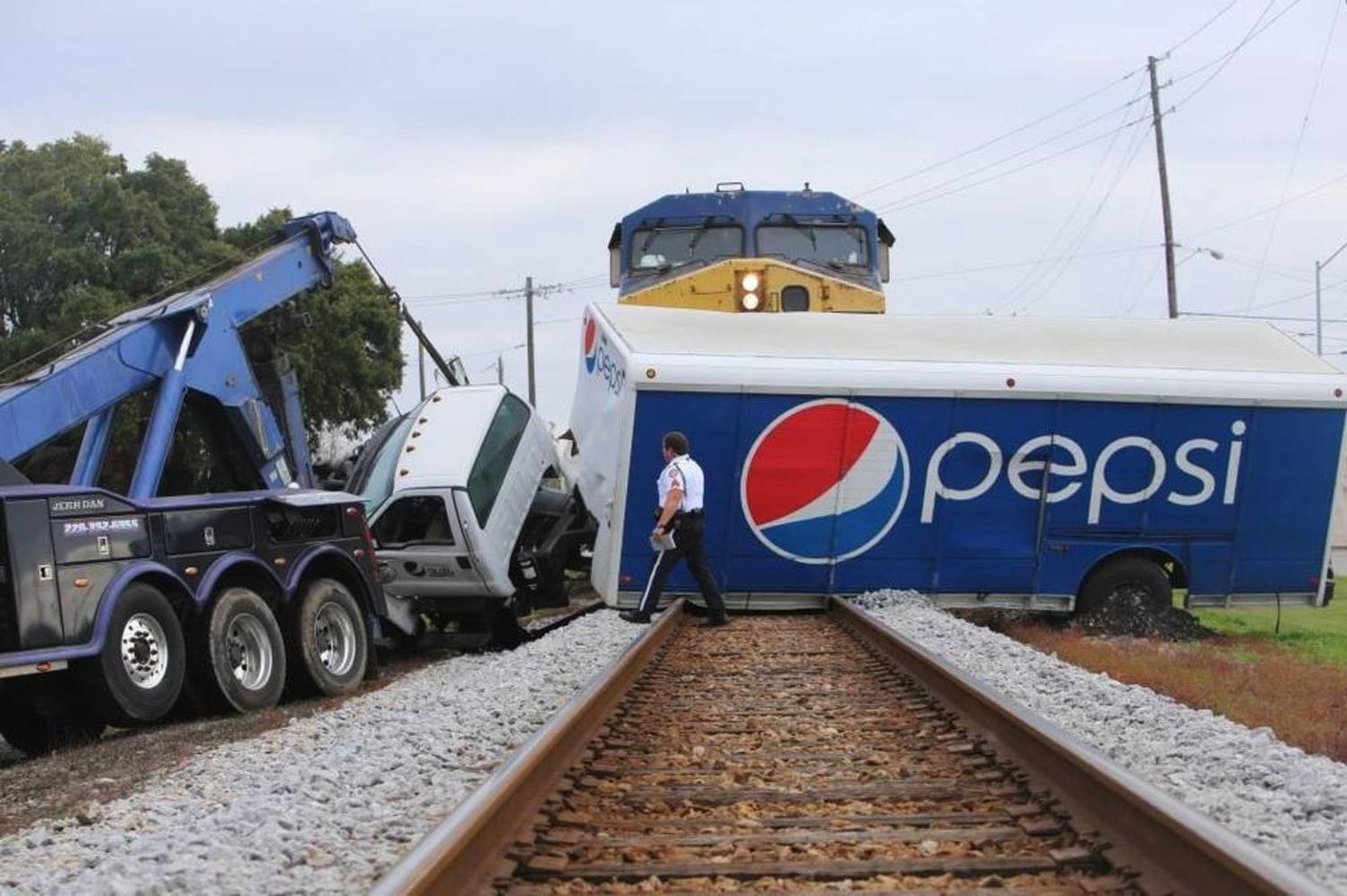 Train Crash Car Crossing in Deadly Tra...