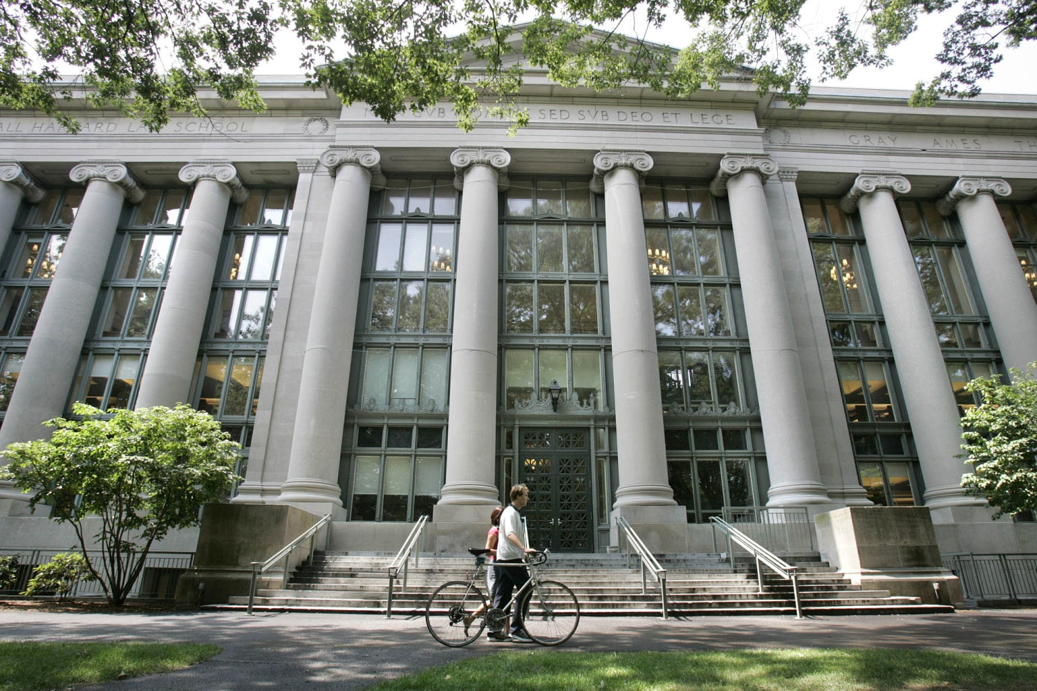 why law school A law degree has long proved a pathway to a high-paying profession and a challenging career but seismic changes in the legal industry that mean fewer jobs and lower salaries for new lawyers are making the decision of whether to go to law school — and in many cases, take on tens of thousands of.