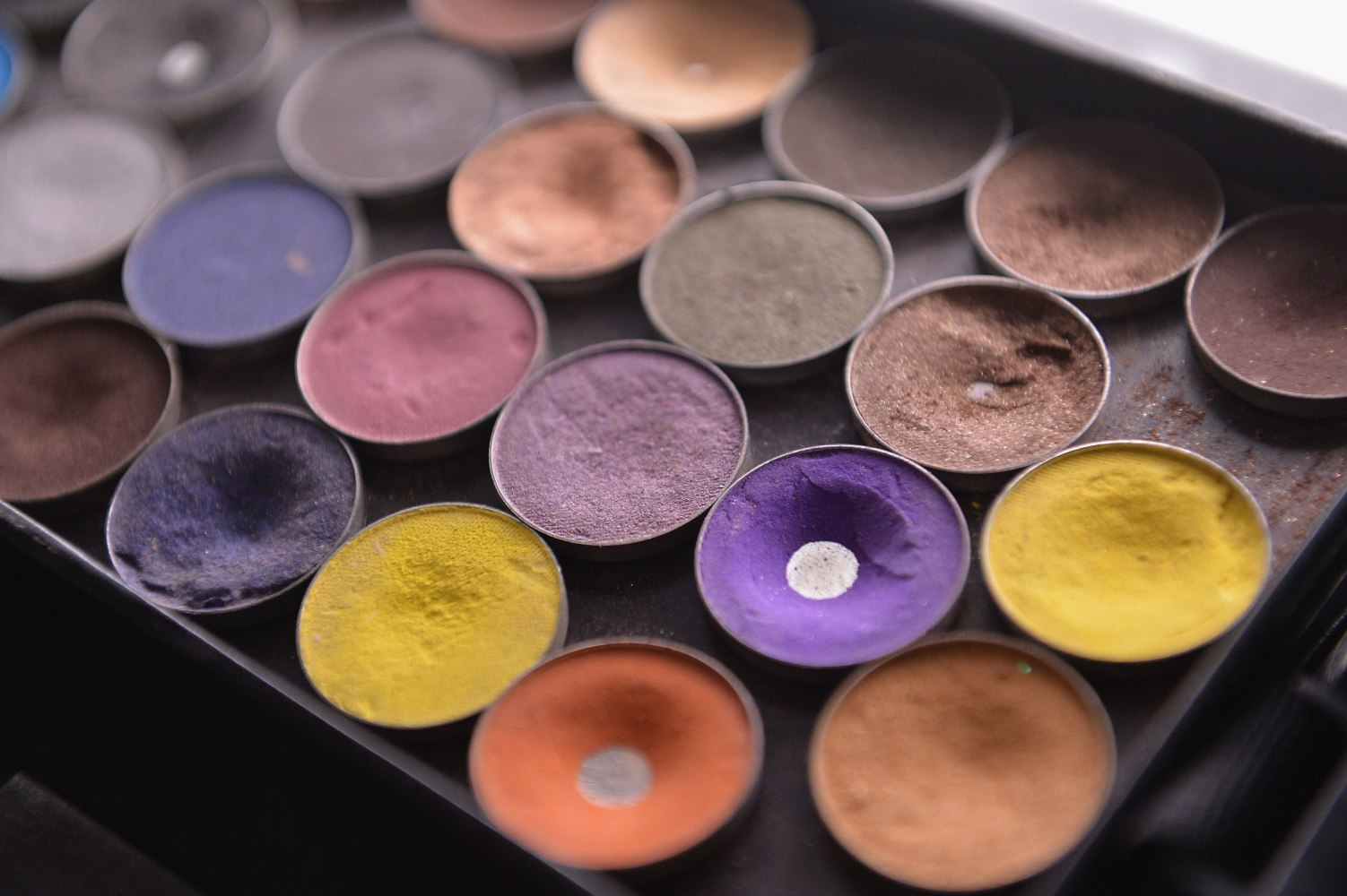 LAPD investigating theft of $4.5m worth of Modern Renaissance eyeshadow