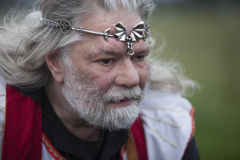 king arthur uther pendragon holds pagan rituals at stonehenge