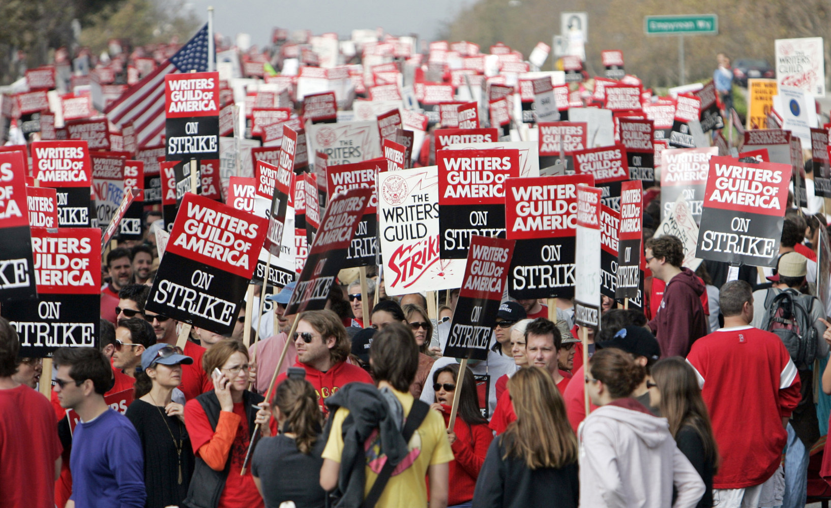 2007 writers guild strikes The writers guild of america recently made history by striking, and bringing a halt to the production of television shows in hollywood the writers guild of america.
