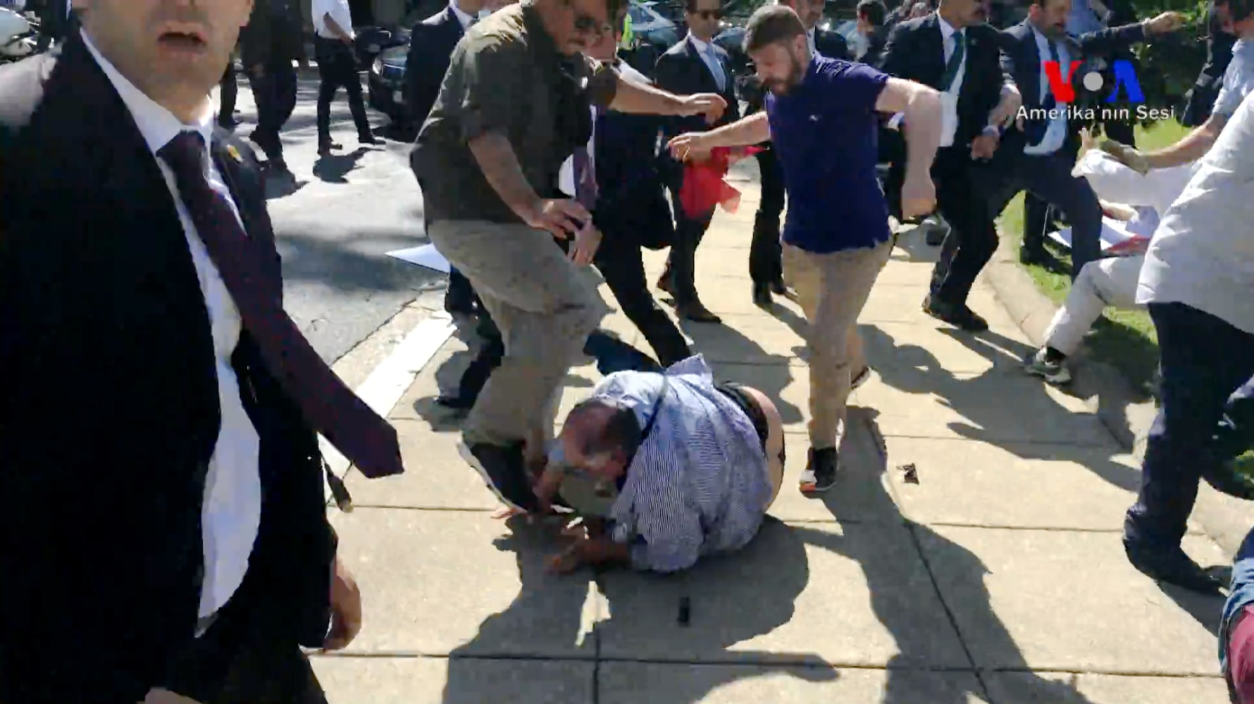 USA  summoned Turkish ambassador after protester violence