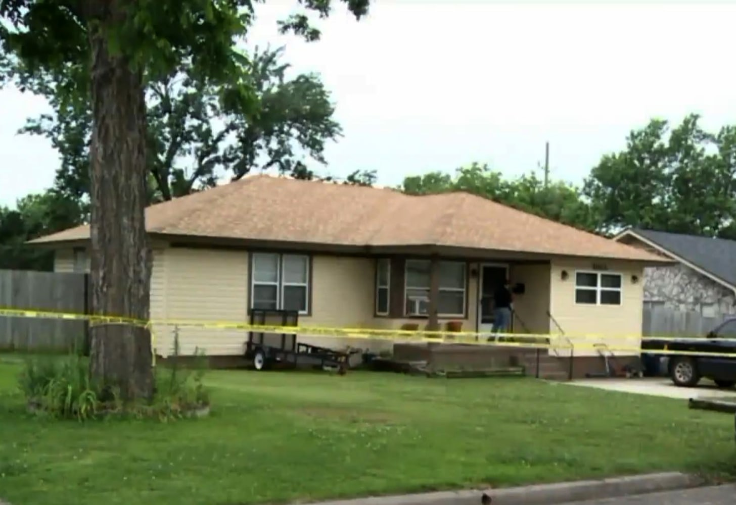 Oklahoma father, trying to drown twin babies, shot by neighbor, police say