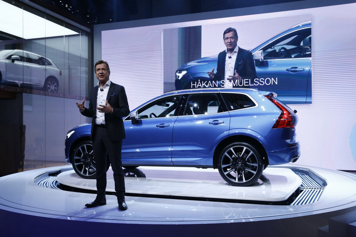 Volvo Is First Automaker To Offer Electric Or Hybrid Only Nbc News