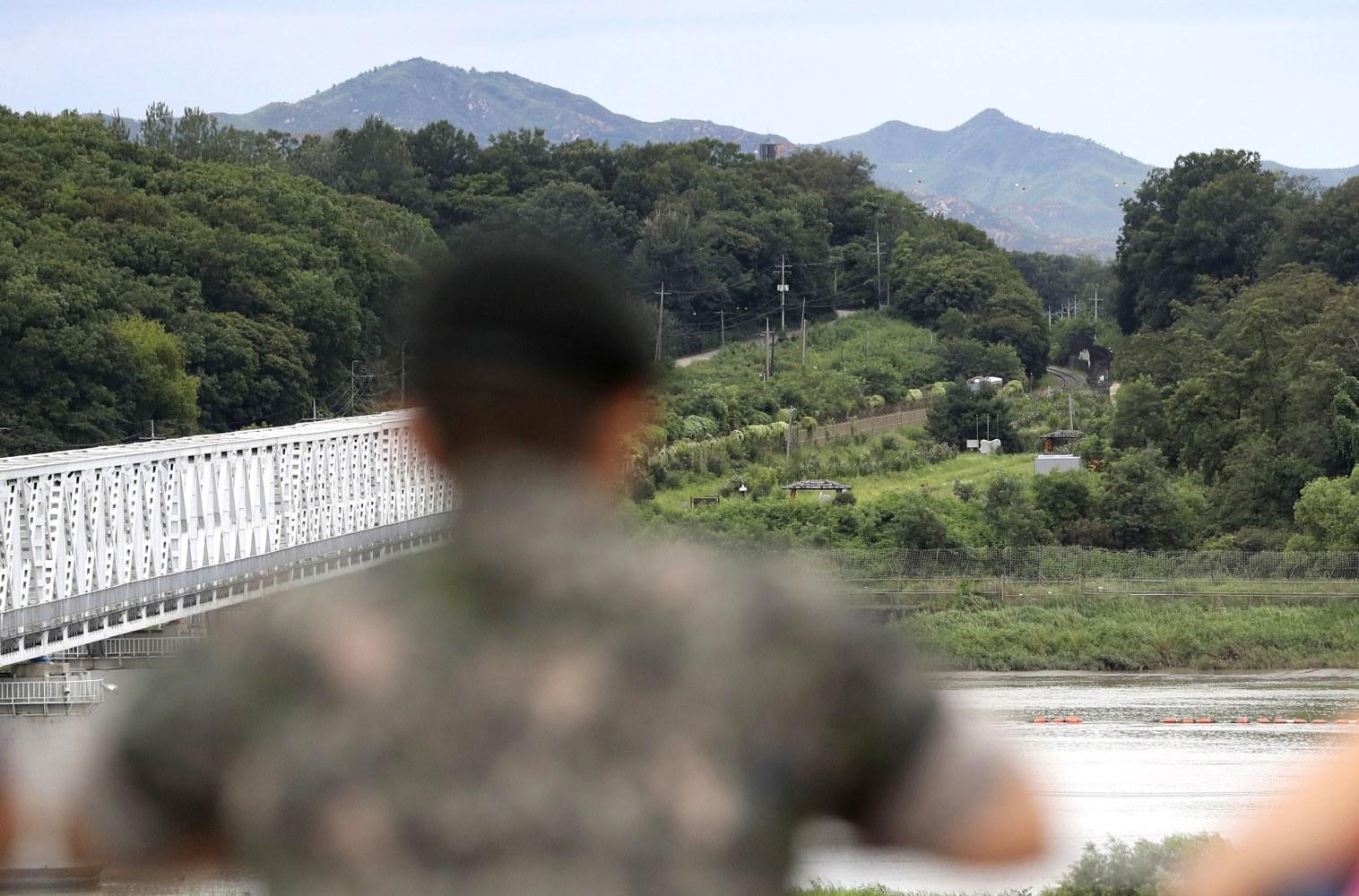 Korean troops start drills amid N. Korea standoff