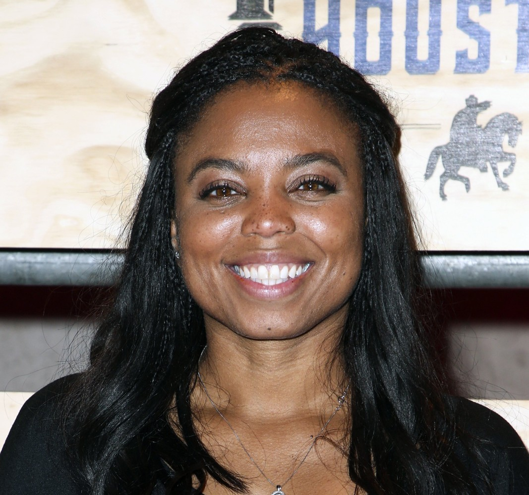 Twitter Stands With Jemele Hill After ESPN Issues Apology On Her Behalf