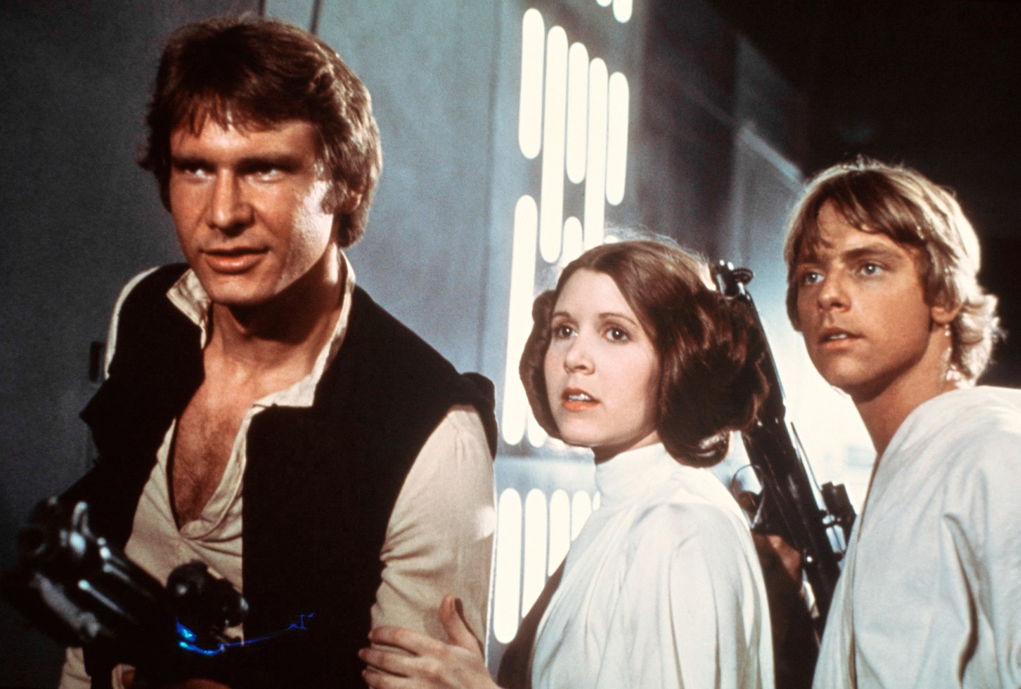 Harrison Ford REFUSES to discuss 'strange' Carrie Fisher Star Wars affair