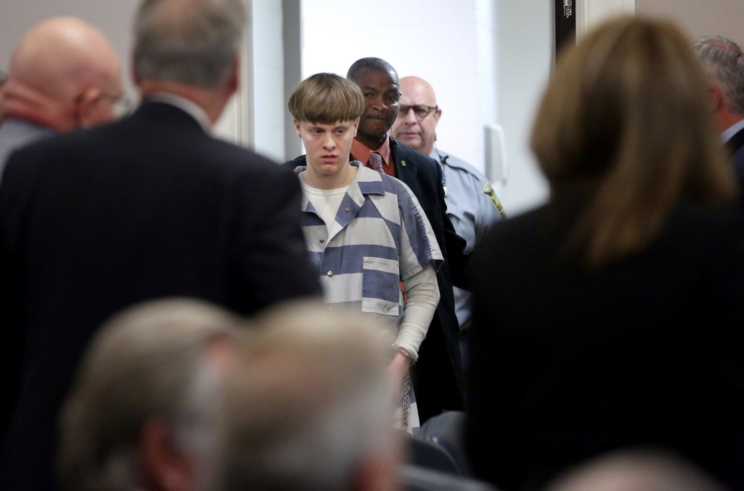 Dylann Roof sends letter to Richmond court, calls his attorneys 'biological enemies'