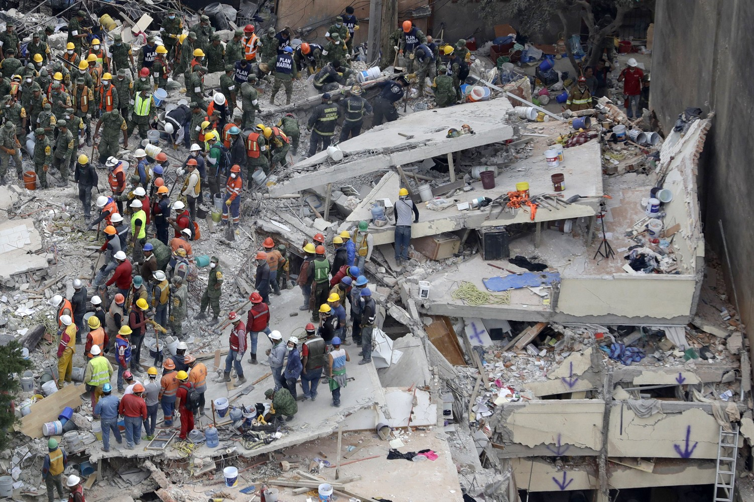 Mexico City Earthquake Death Toll 'At Least 225'