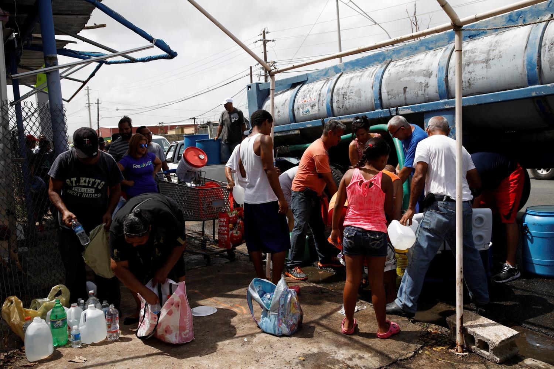 Opinion puerto rico needs a major military rescue - Contenedor de agua ...