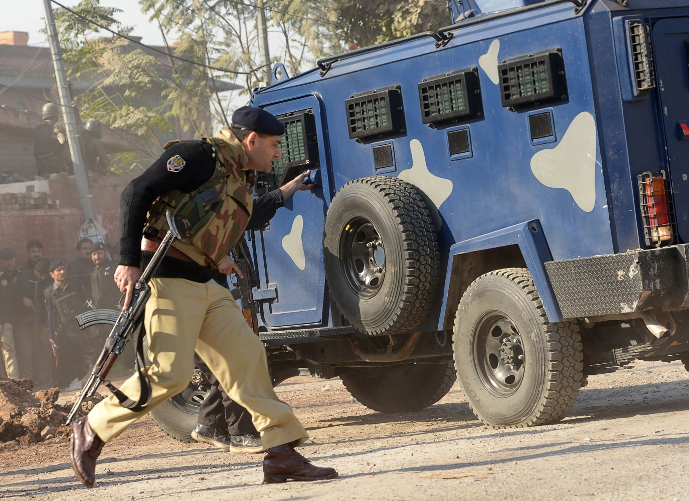 12 injured in Pakistan's Peshawar firing