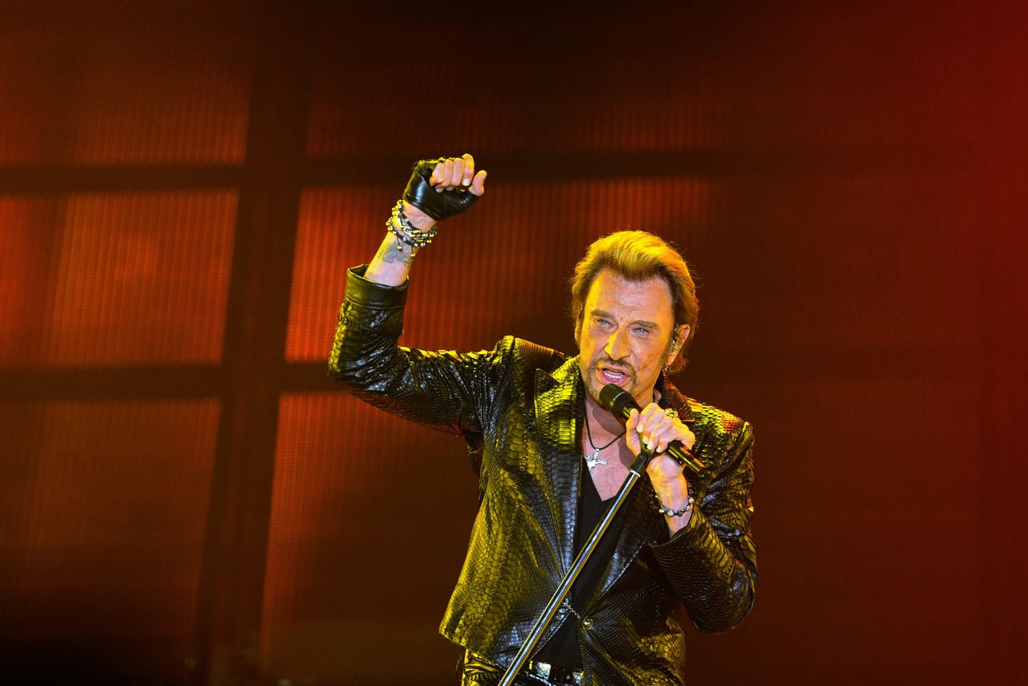 johnny hallyday singer known as the 39 french elvis 39 dies at 74 nbc news. Black Bedroom Furniture Sets. Home Design Ideas