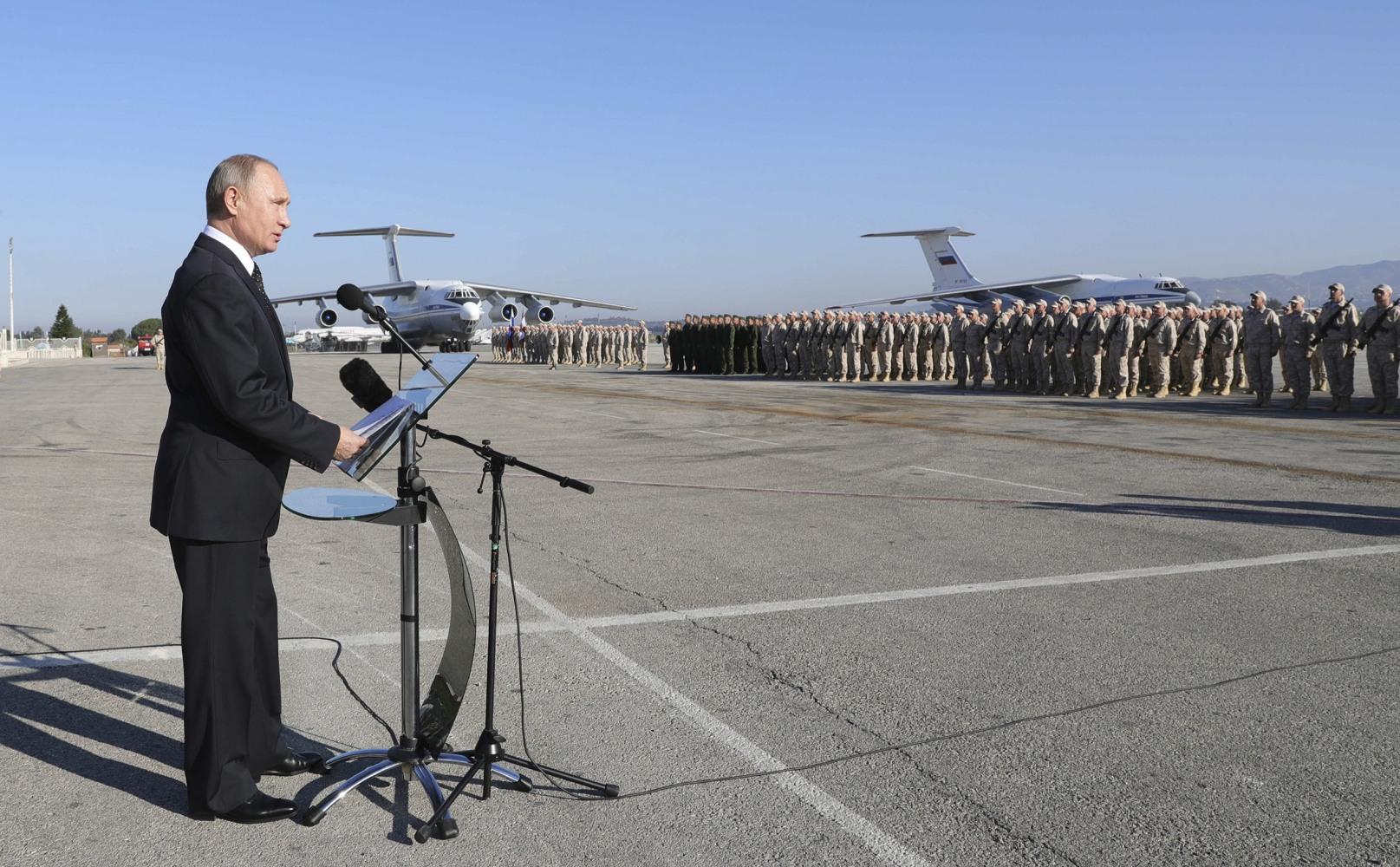 Putin calls for Mideast talks to resume,including on Jerusalem