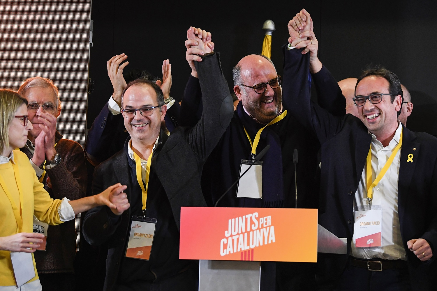 Catalonia separatists parties win slim majority in regional elections