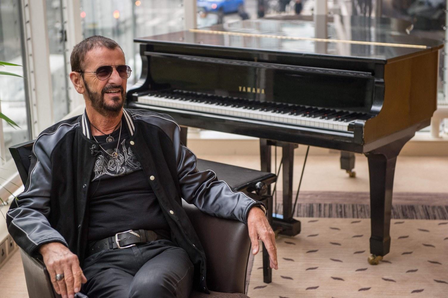 Beatles drummer Ringo Starr knighted in Queen Elizabeth's ...