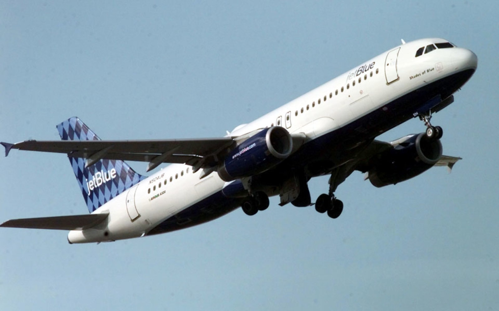 JETBLUE AIRWAYS STARTING FROM SCRATCH   Using the core values     Studio PLAN
