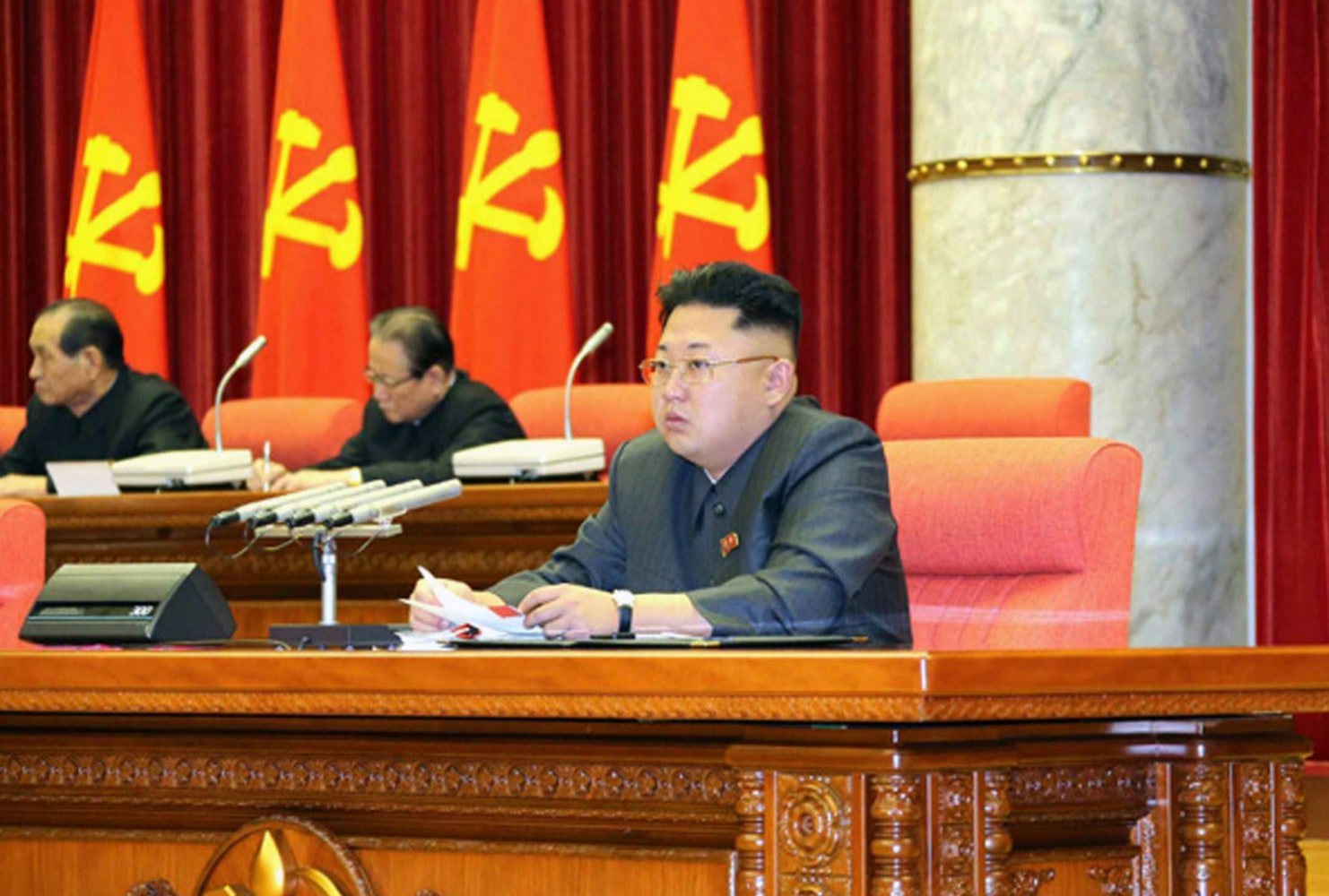 Kim Jong Un 39 S Uncle Dragged Away From Meeting Erased From