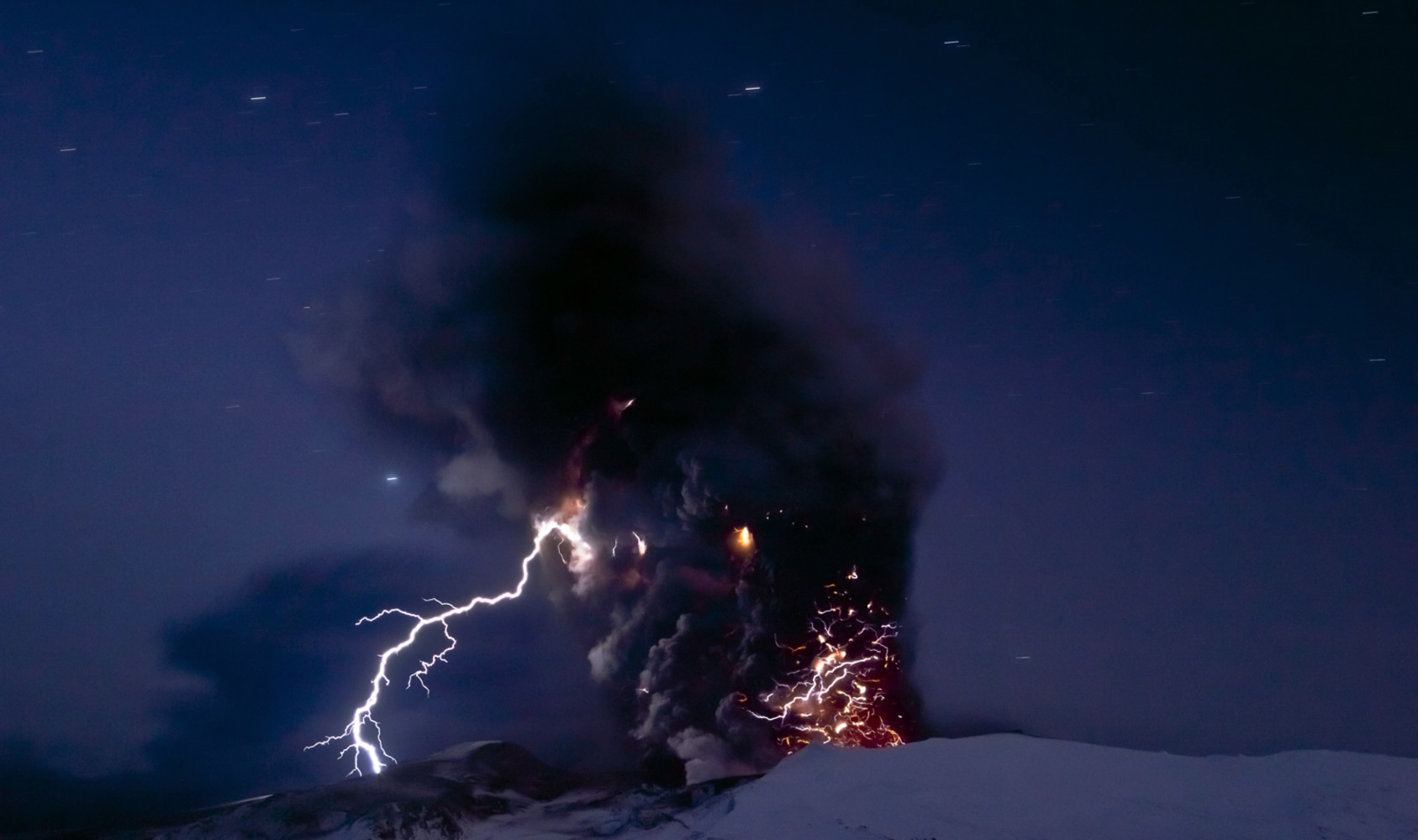 Scientists storm ahead and create volcanic lightning in lab