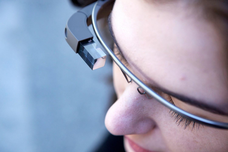 Unbearable wearable: Bar bans Google Glass, boots 'rude' user