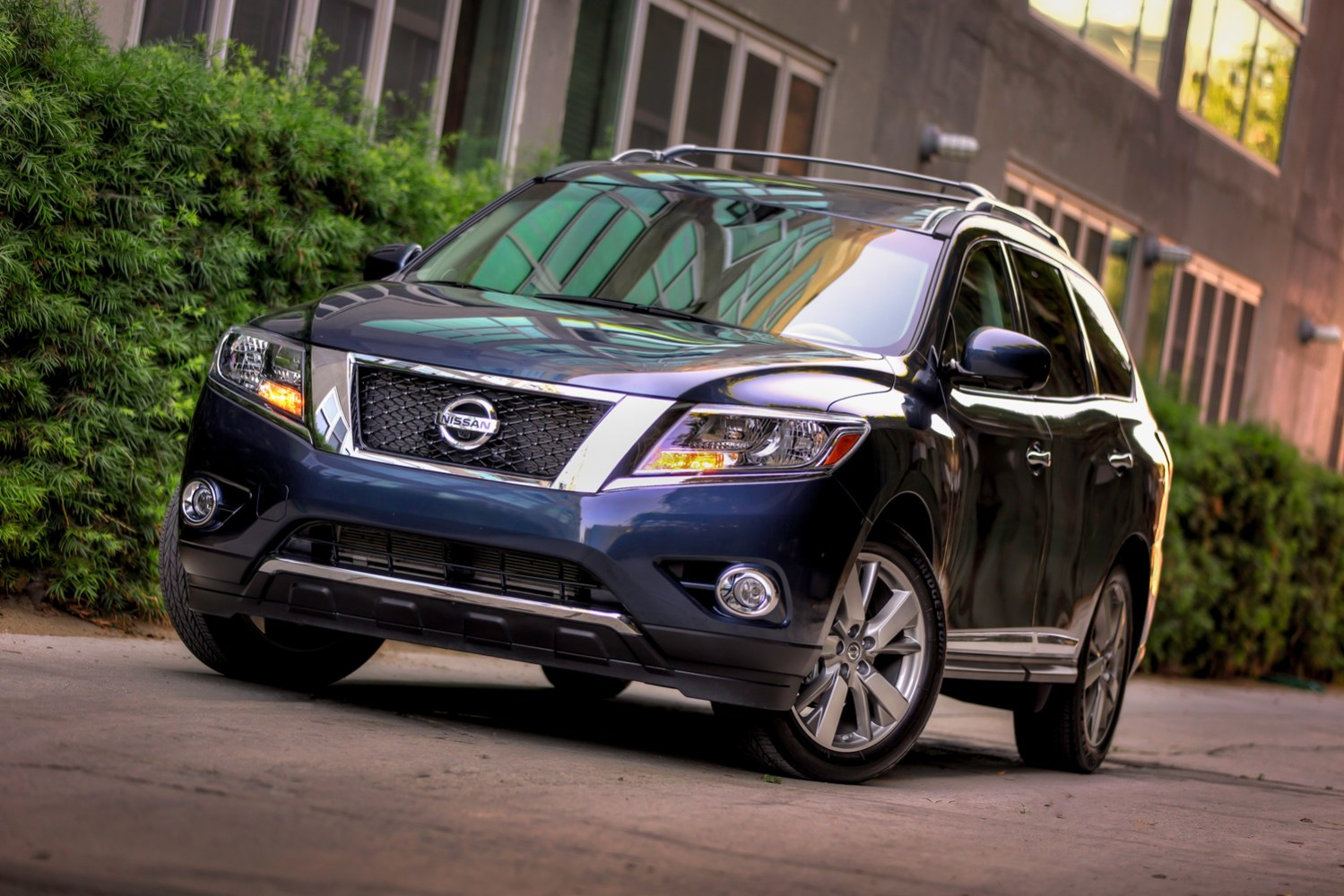 Nissan Is Trying A New Way To Cars At Some Dealerships Using Microsoft S Kinect For