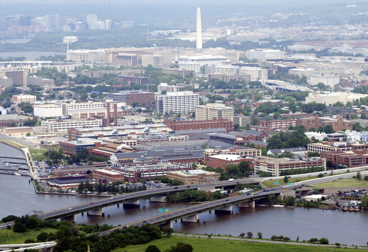 muslim single men in washington navy yard Shots were fired monday at a washington navy yard building, killing at least 12 people and injuring 14 others, according to local officials and the navy.