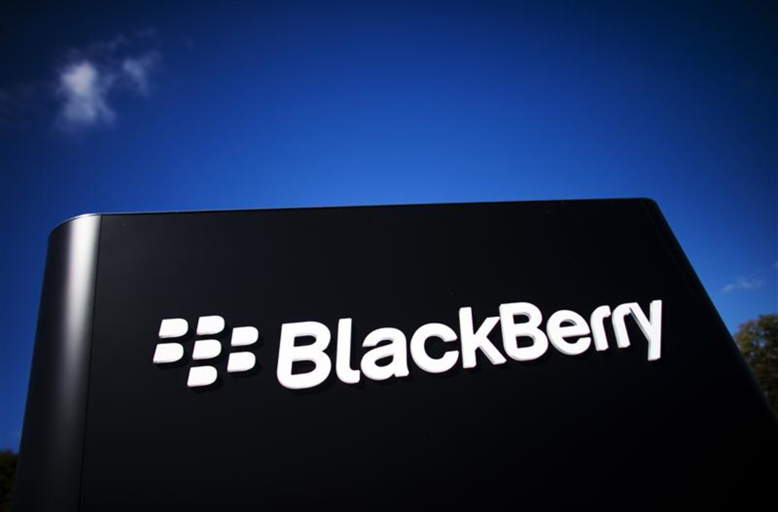 BlackBerry? Like, so not cool, say young users
