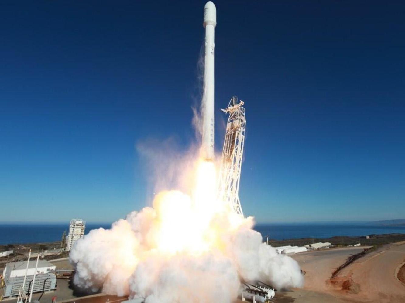 spacex falcon v1.1 vandenberg arrives - photo #42