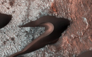 Image: Martian sand dunes