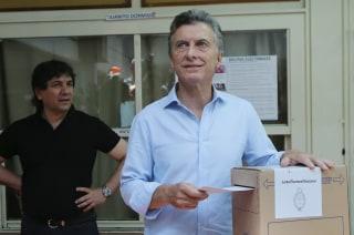 Image: Mauricio Macri votes