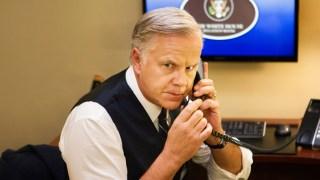 Image: Walter Larson played by Tim Robbins