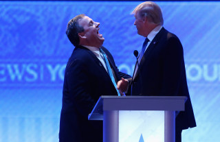 Image: New Jersey Governor Chris Christie and Donald Trump