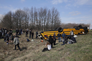 Image: Bus overturned in Demotte, Indiana
