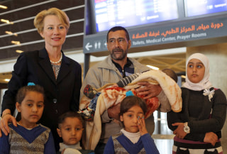 Image: First Syrian family to be resettled in the US
