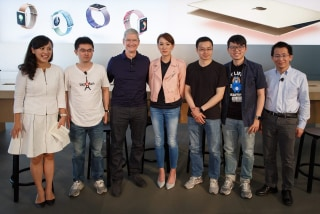 Image: Apple CEO Tim Cook in Beijing