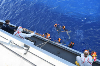 Image: ITALY-REFUGEE-IMMIGRATION-SHIPWRECH-RESCUE