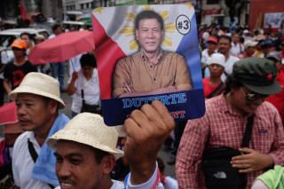 Image: Supporters of Rodrigo Duterte