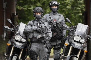 Image: Counterterrorism officers