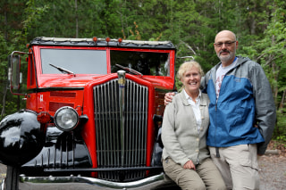 Image: John and Lynda Kasberg