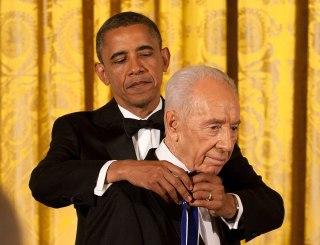 Image: Barack Obama and Shimon Peres