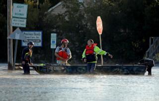 Image: Hurricane Matthew Rescue Workers
