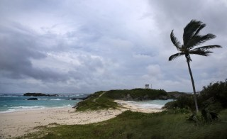 Image: Hurricane Nicole approaches the Cooper's Island Nature Reserve in St. Georges, Bermuda