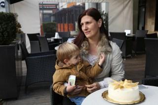 Image: Nusha Vidmar with Melania Trump-inspired cake