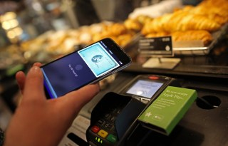 Image: Apple Pay launches in the U.K.
