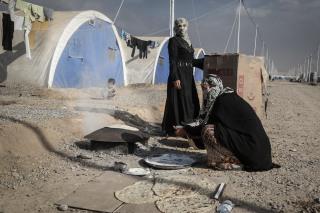 Image: Displaced Iraqi women at Khazer Camp
