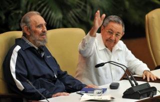 Image: Fidel Castro and Raul Castro in 2011