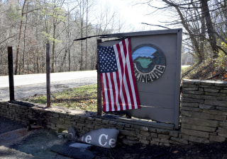 IMAGE: Flag in Gatlinburg, Tennessee